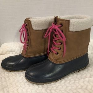 GAP DUCK BOOT FITS LADIES SZ 5/6 OR KID'S SIZE 3/4